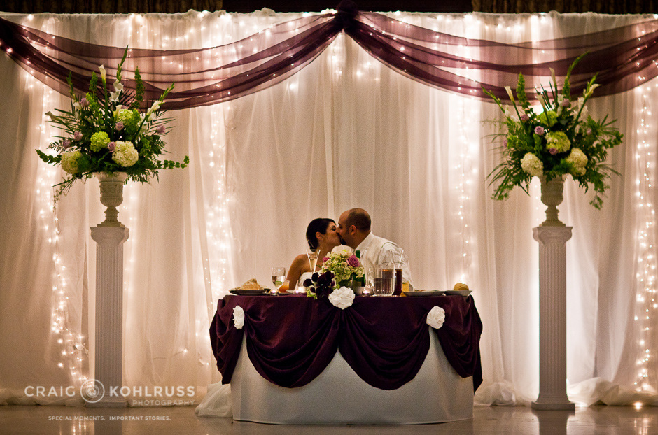 The Grand 1401 kiss at head table